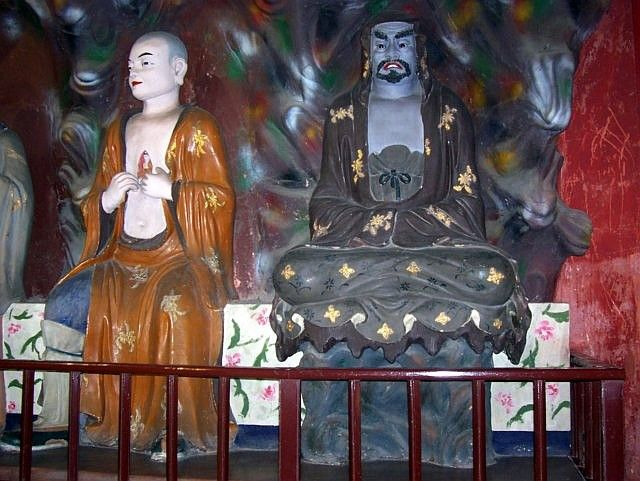 Lingyun temple - Two disciples of Buddha