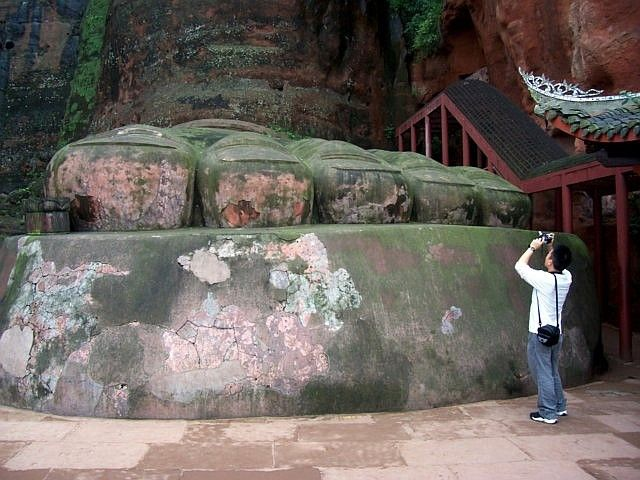 Leshan Buddhist site - Toeas of the Great Buddha