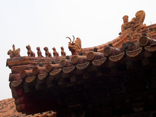 Forbidden city - Chiwen and imperial roof decoration