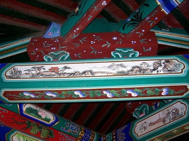 Summer palace - Decorated beams looking like print