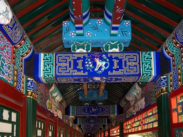 Summer palace - Beams decorated with a predominance of blue