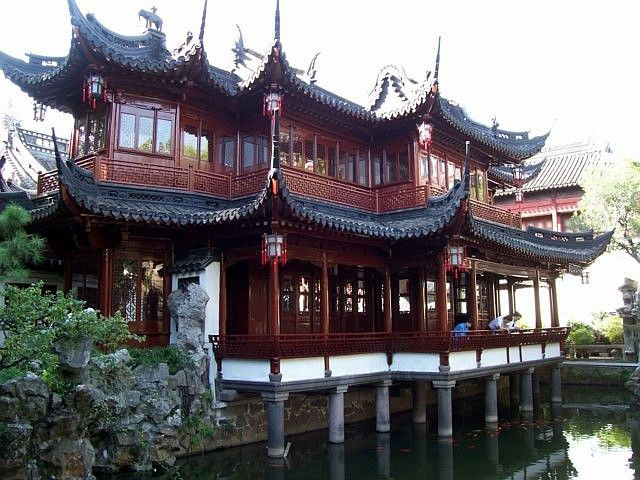 Yu garden - Pavilion on stilts