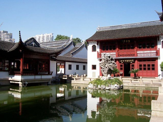Confucius temple - Pond