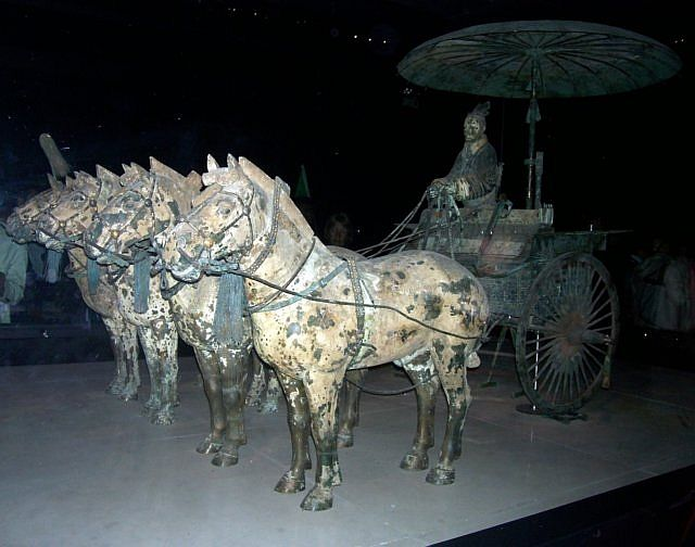 Xian buried army - Bronze chariot (combat chariot)
