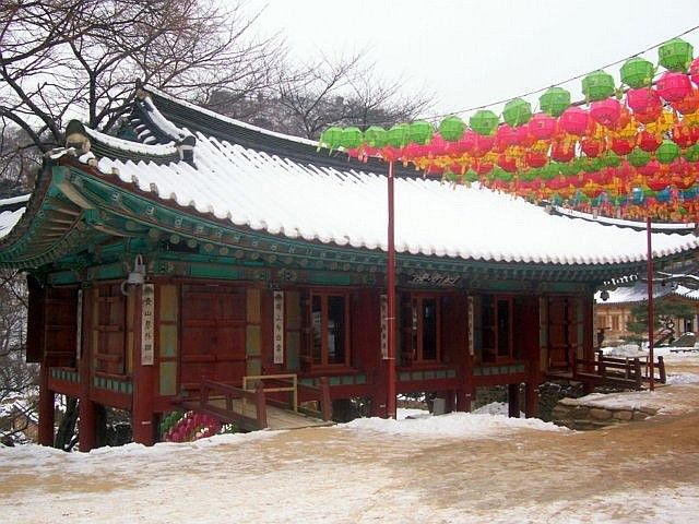 Jeongdeungsa temple - Hall on stilts
