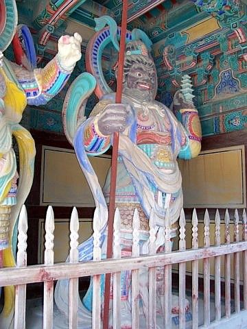 Bulguksa temple - King of Heaven, guardian of the north