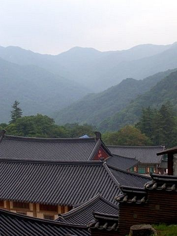 Haeinsa temple - Landscapes from the roofs