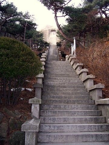 Temple sunggasa (Bukhansan) - Grand escalier