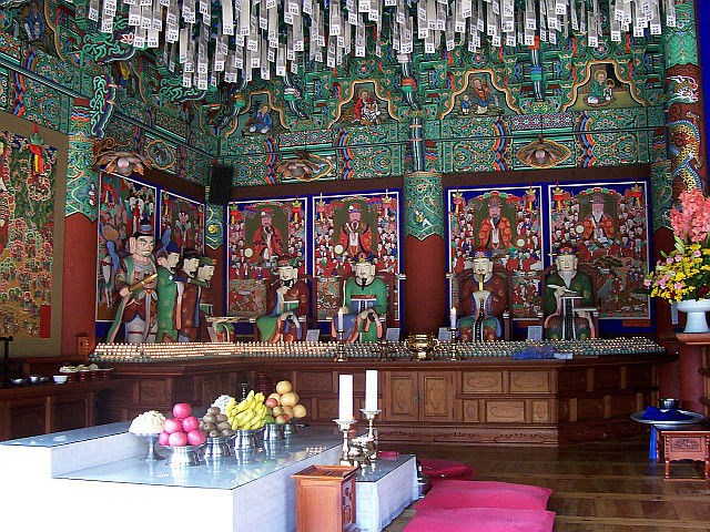 "Bongeunsa temple - 5 of the 10 judges of ""Hell"""