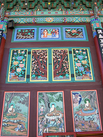 Jogyesa temple - Paintings and decorations about Buddha's life