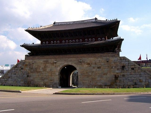 Hwaseong fortress - Paltalmun gate (seen from inside)