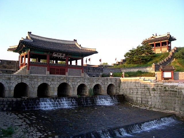 Hwaseong fortress - North gate