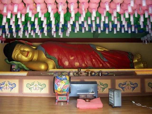 Waujeongsa temple - Reclining Buddha, ready to enter Nirvana