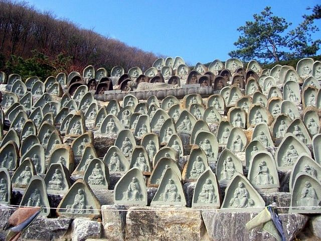 Temple Waujeongsa - Statuettes d'arhats