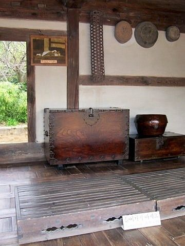 Yong-in folk village - Interior