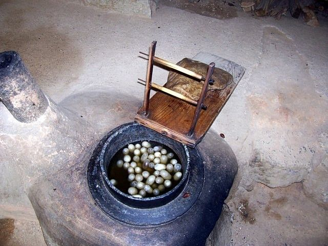 Yong-in folk village - Cocoons of silkworm