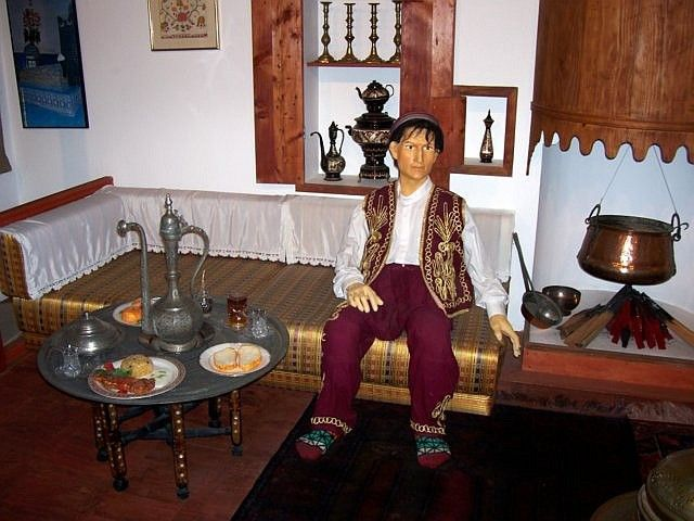 World Folk Museum (Yong-in) - Turkish clothes and furniture