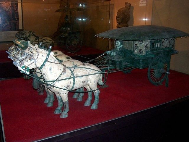 World Folk Museum (Yong-in) - repro' quadriga of Xi'an (1/2)