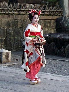 Geisha seen in Kiyomizu dera temple