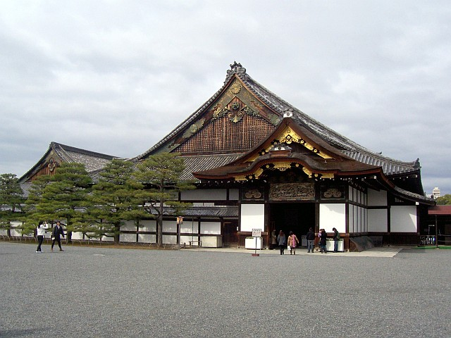 Nijo castle - Entrance