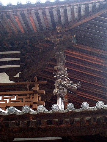 Horyuji temple - Wooden carving of a dragon