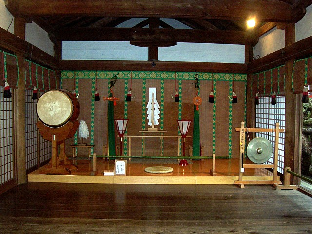 Kasuga Taisha shrine - Altar of a kami