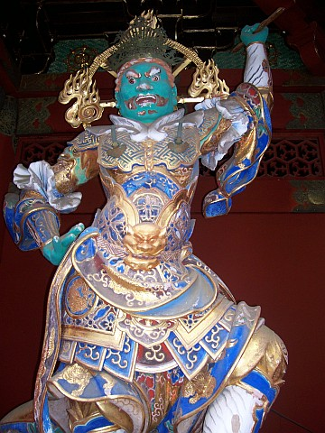 Taiyuin Byo shrine - Guardian, with the mouth open