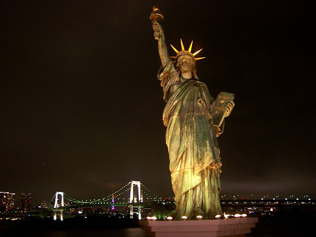 Odaiba - Replica of the statue of Liberty