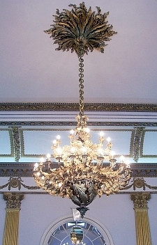 Dublin Castle - Chandelier in the throne hall