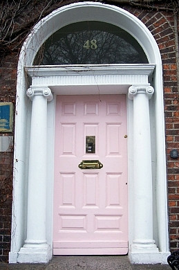 Door of a Dublin georgian house (view 11)
