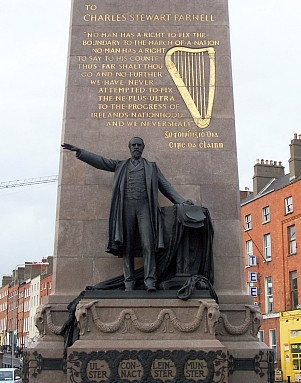 O'Connell street - Obelisk in honor of Charles Stewart Parnell