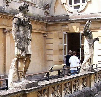 Thermes romains - Statues