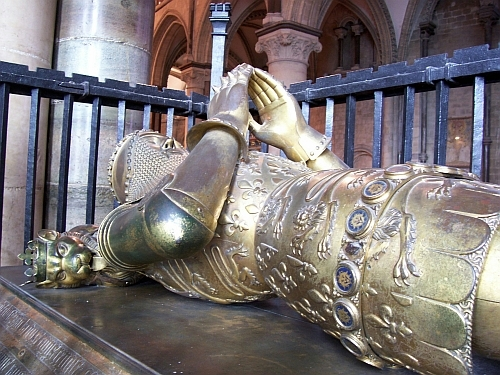 Canterbury Cathedral - Recumbent figure of the black prince