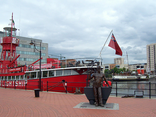 Cardiff bay - Navires
