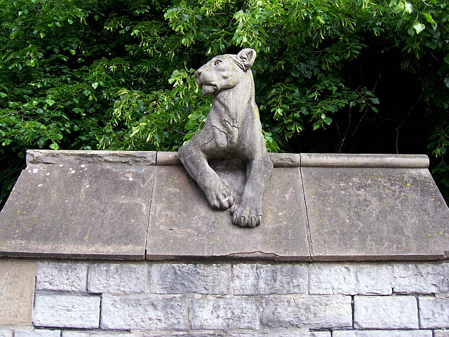 Cardiff castle - Animal wall, lioness