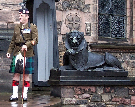 Edinburgh castle - Soldier