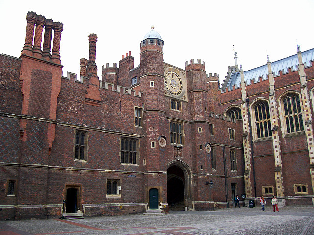 Hampton court - Porch of the clock tower