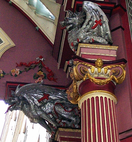 Griffins (represented as dragons), symbols of the City