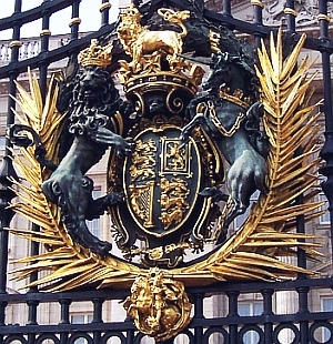 UK coat of arms on the gate of Buckingham