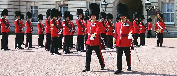 Buckingham palace - Changing of the Royal Guard