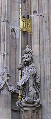 Houses of parliament - Outdoor decorations