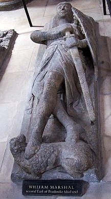 Temple church - Templar recumbent statue with legs crossed (the left on the upper)