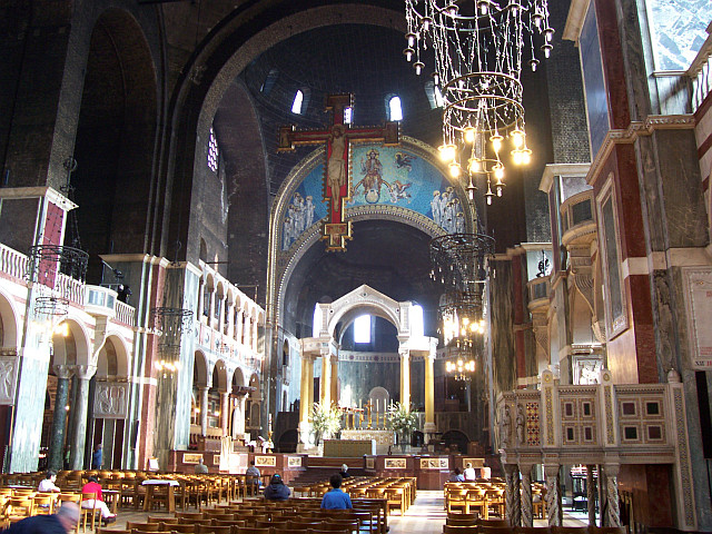 Westminster cathedral - Nave and choir canopy