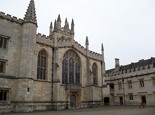 Magdalen college - courtyard