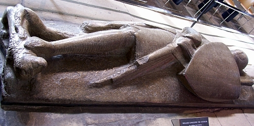 Salisbury Cathedral - Recumbent figure of crusader