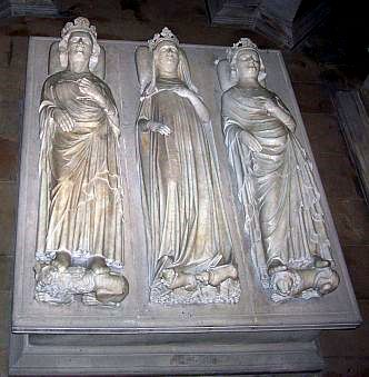 St Denis basilica - Three Recumbent statues