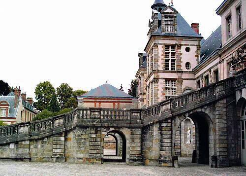 Fontainebleau castle - Horse-shoe stairs, with passage for carriages