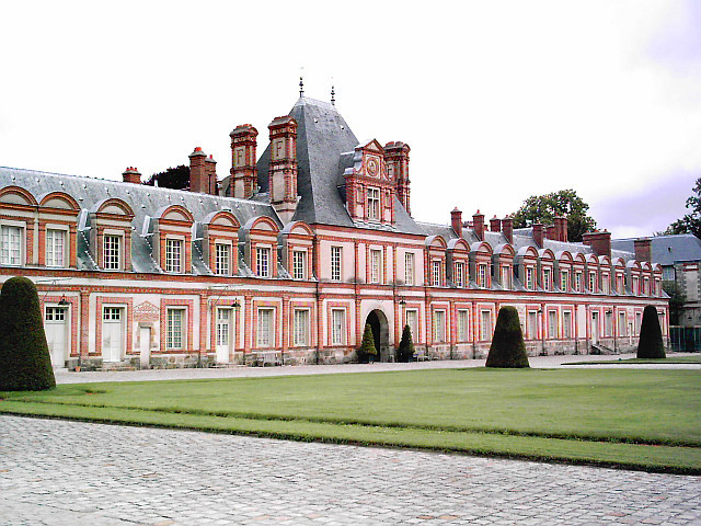 Fontainebleau castle - Palace wing