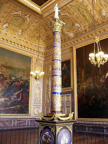 Versailles castle - Model of Vendôme column in Paris (Coronation room)