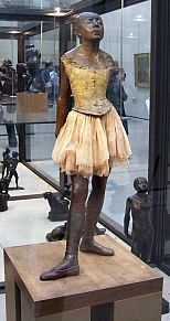 Orsay museum - Ballerina, the dancer in french (bronze statue) / Degas